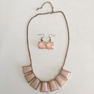 Statement necklace and earring set. (J0102)